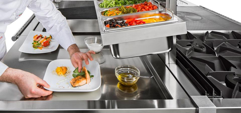 Prodotti ed attrezzature per cucine di ristoranti, d'hotel e delle ...